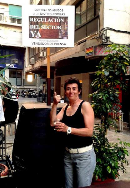 barril-vendedores-de-prensa140702-04