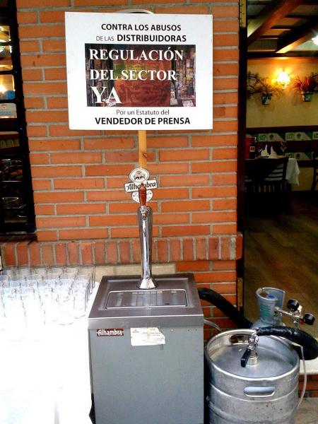 barril-vendedores-de-prensa140702-09