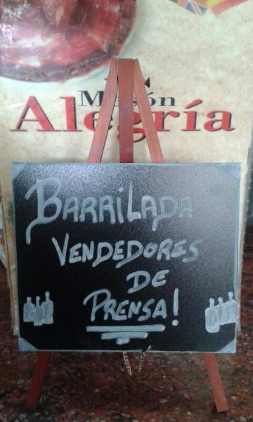 barril-vendedores-de-prensa140702-11