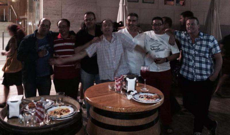 barril-vendedores-de-prensa140702-13