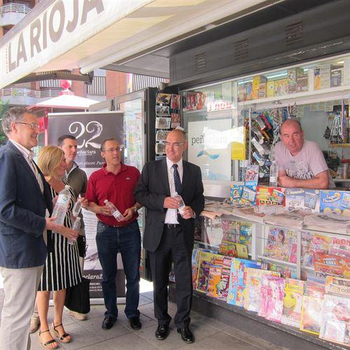 A partir de ahora en los kioskos de Logroño podrán adquirirse, además de prensa, refrescos, aguas y chucherías