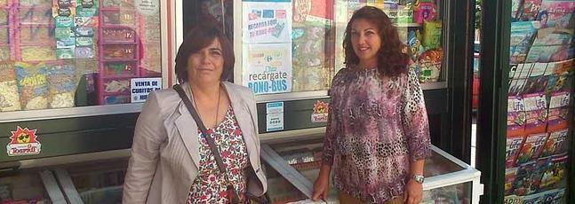 Los quiosqueros malagueños denuncian la creciente competencia desleal