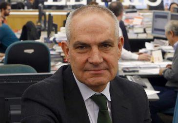 Antonio Caño intenta detener la sangría de lectores y ventas con un nuevo rediseño de 'El País'