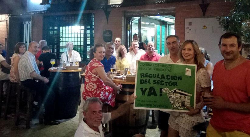 Barrilada de los Asociad@s de Vendedores de Prensa de Granada en el Mesón Alegría