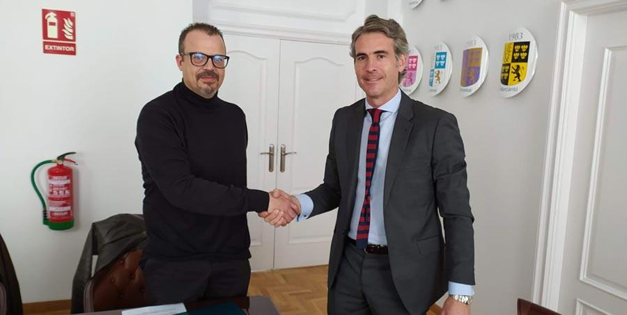 Convenio de colaboración con el despacho de abogados Martínez Echevarria